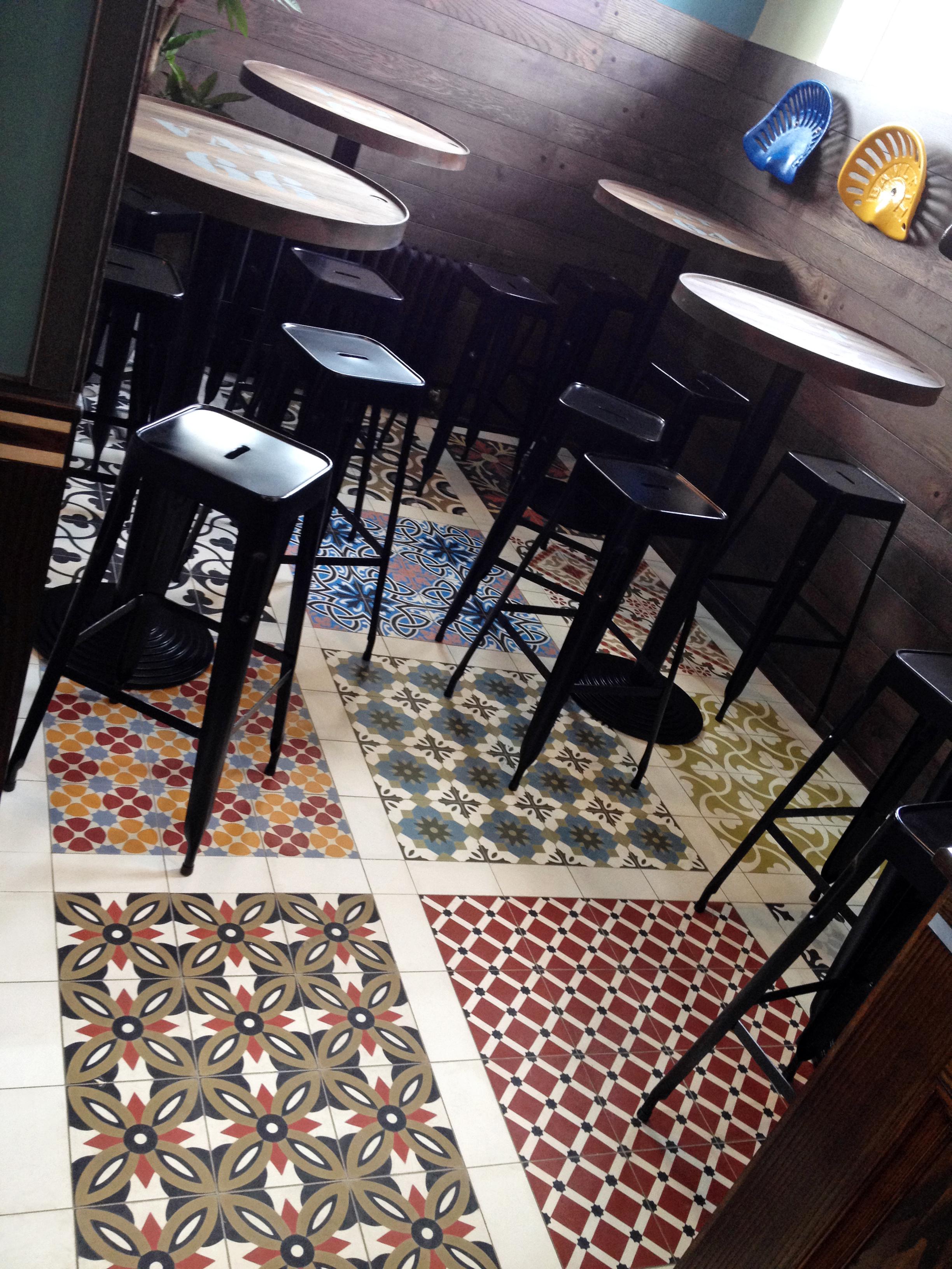 Restaurant zementfliesen for Innendekoration restaurant