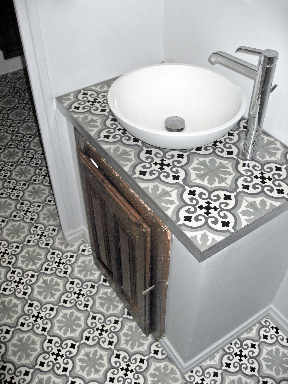 zementfliesen auf dem platte. Black Bedroom Furniture Sets. Home Design Ideas