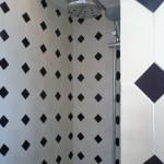 Zementfliesen im Badezimmer